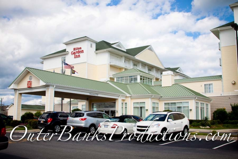 Outer Banks Wedding Photography at The Hilton Garden Pier House in ...
